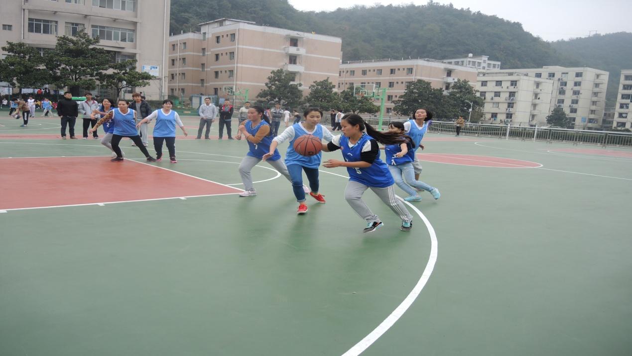 女子篮球比赛:化工vs资环